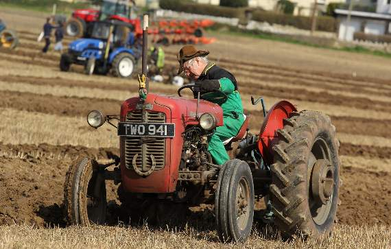 Ploughing and Hedging Society news